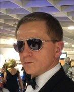 Daniel Craig lookalike double doppelgänger